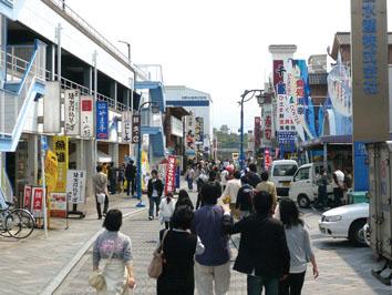 沼津港の飲食店街